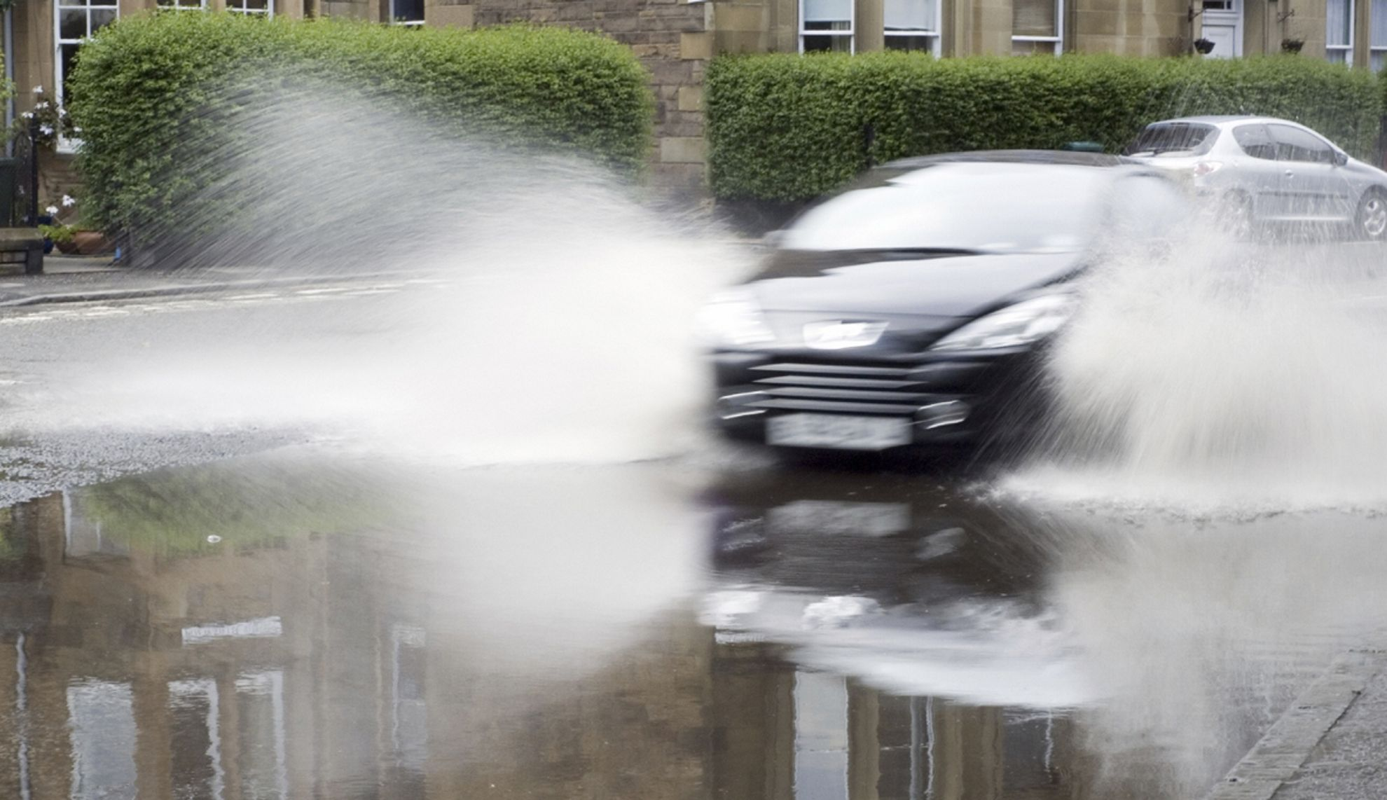 Aquaplaning – What it is and How to Stay Safe