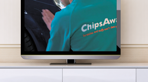 tv showing a chipsaway specialist